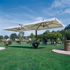 ombrelloni per terrazze ombrelloni legno mobili da giardino