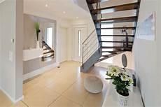 Farbgestaltung Flur Mit Treppe - moderner flur diele treppenhaus bilder diele mit