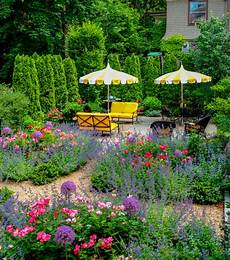 beautiful backyards garden ideas
