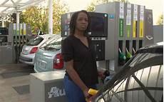 pétition contre la hausse des carburants sa p 233 tition contre la hausse des carburants fait le plein