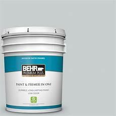 behr premium plus 5 gal 720e 2 light gray satin enamel low odor interior paint and