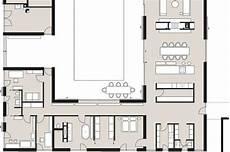 haus mit innenhof grundriss neubau mit begr 252 ntem innenhof sch 214 ner wohnen