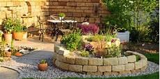 Garten Verschönern Ohne Geld - die sch 246 nsten ideen f 252 r einen kr 228 utergarten