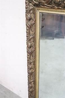 wandspiegel mit rahmen antiker jugendstil wandspiegel mit rahmen aus geschnitztem