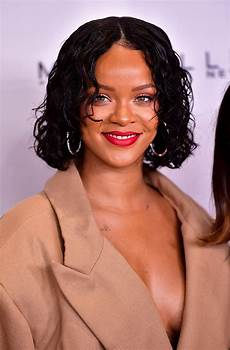 rihanna s curly bob haircut in 2017 best celebrity wavy