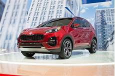kia electric suv 2020 2020 kia sportage debuts with updated styling and a lot