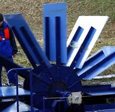 energiegewinnung mini wasserkraftwerk gewinnt strom aus