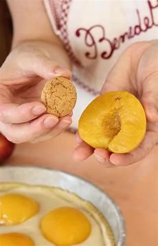 crostata di crema di benedetta rossi benedetta rossi on instagram crostata di crema pesche e amaretti ricetta facile peaches