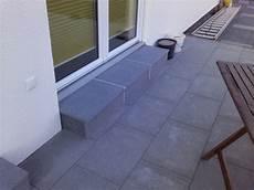 terrasse mit stufen unser hausbau mit okal treppenstufen auf terrasse belegt