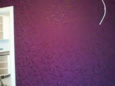 tapeten lila dekor purple mustertapete haddenqhawkinsons 123 blog