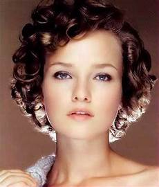 1950s hairstyles for curly hair short trendy curly haircuts short hairstyles 2018 2019