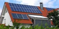 solaranlagen auf dem dach gefahren und unterschied einer photovoltaikanlage zur solaranlage