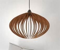 suspension bois lustre en bois le de plafond en bois