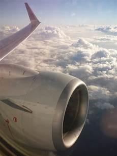 7000 Gambar Awan Dari Jendela Pesawat Terbaik Infobaru