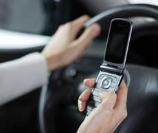 Verkehrsrecht Telefonieren Und Sms Schreiben Am Steuer
