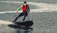 surfbrett mit motor bilderstrecke zu die messe boot 2015 in d 252 sseldorf bringt