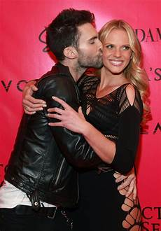 Adam Levine Frau - adam and v adam levine photo 18306189 fanpop
