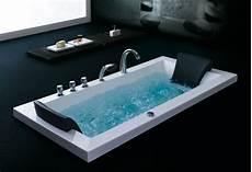 comment installer une baignoire balnéo comment installe t on une baignoire baln 233 o
