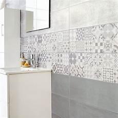 salle de bain avec carreaux de ciment embellir sa salle de bains avec des carreaux de ciment