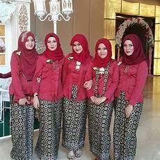 Kebaya Merah Cocok Dengan Jilbab Warna Apa Pintar Mencocokan