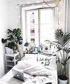 Aesthetic Bedroom Ideas For Small Rooms by Pin By H 252 Ma On Zeynep Room Decor Home Decor Small