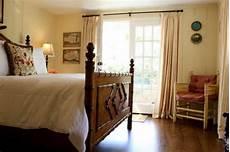 Cozy Guest House Design Blending New Modern Home Interiors Outdoor Rooms cozy guest house design blending and new into modern