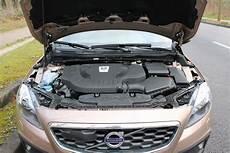 Notre Essai De La Volvo V40 D3 Bva6 Cross Country Summum