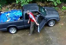 accident recorder 1995 gmc sonoma club coupe instrument cluster video wanted suspects crash truck after attempting to steal trailer clarksvillenow com