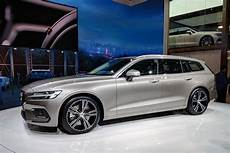 volvo hybrid modelle new 2018 volvo v60 prices announced for uk auto express