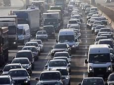 Die Aktuelle Verkehrslage Aktuell 140 Kilometer Stau In