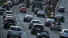 mobilit 228 t in deutschland studie auto bleibt