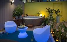 deco spa exterieur outdoor le spa gonflable pour ou contre