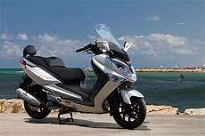 sym joymax 125 300 187 road tests 187 2commute