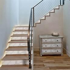 Contremarche D Escalier Effet Faux Marbre Blanc En Trompe