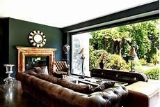chesterfield sofas kombiniert mit alten englischen farben