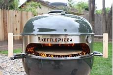 pizza au barbecue weber kettlepizza weber grill insert review backyard chef makes