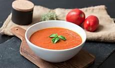 tomatensuppe aus frischen tomaten leckere tomatensuppe recipes more