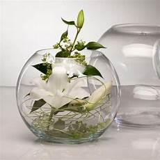 blumen tischdeko im glas dekoration im glas rund glas deko blumen rundes glas deko und fischglas
