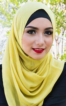 Bold Beautiful Citra Kirana Jilbab Cantik Kerudung