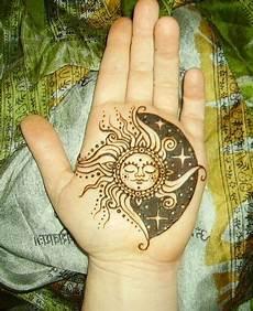 sleeping sun by mountain mehndi via flickr henna