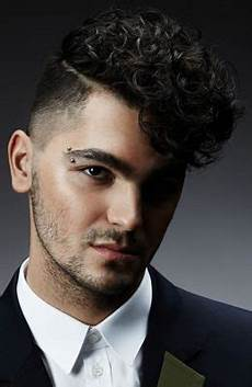 the best men s curly hairstyles haircuts for 2018