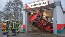 Frau Zerst 246 Rt Waschstra 223 E 90 000 Schaden Harburg