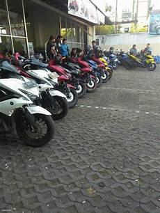 Aerox Modif Touring city touring aerox bersama komunitas dan dealer sip waru