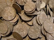 Besoin De Conseil Pour Nettoyer Des Monnaies En Aluminium