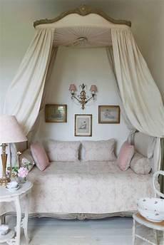 lit style romantique lit romantique 50 id 233 es int 233 ressantes pour un lit baldaquin