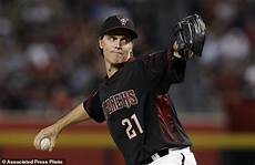 pollock rbi single in ninth lifts d backs over astros 4 3 daily mail online