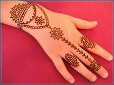 Gambar Henna Praktis
