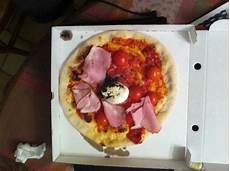 Pizza Ch 232 Vre Miel Et Salade Mare Picture Of