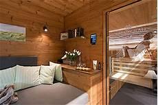 sauna ruheraum möbel oase f 252 r den eigenen garten bauen