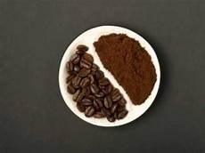 kaffee gegen gerüche kaffeepulver gutes mittel gegen mief im auto